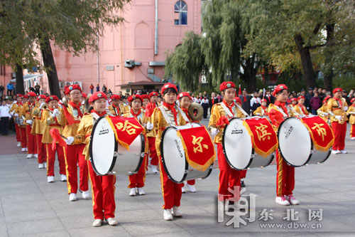 """红领巾相约中国梦    东北网10月12日讯 (见习记者 杨帆) """"我们是共产"""