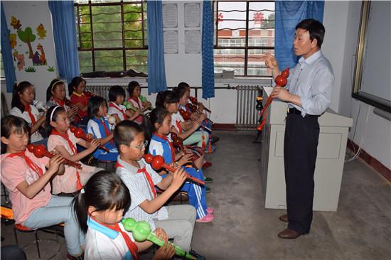艺术修养及表现能力,近日,甘肃省酒泉市金塔县鼎新小学开展了美丽音符